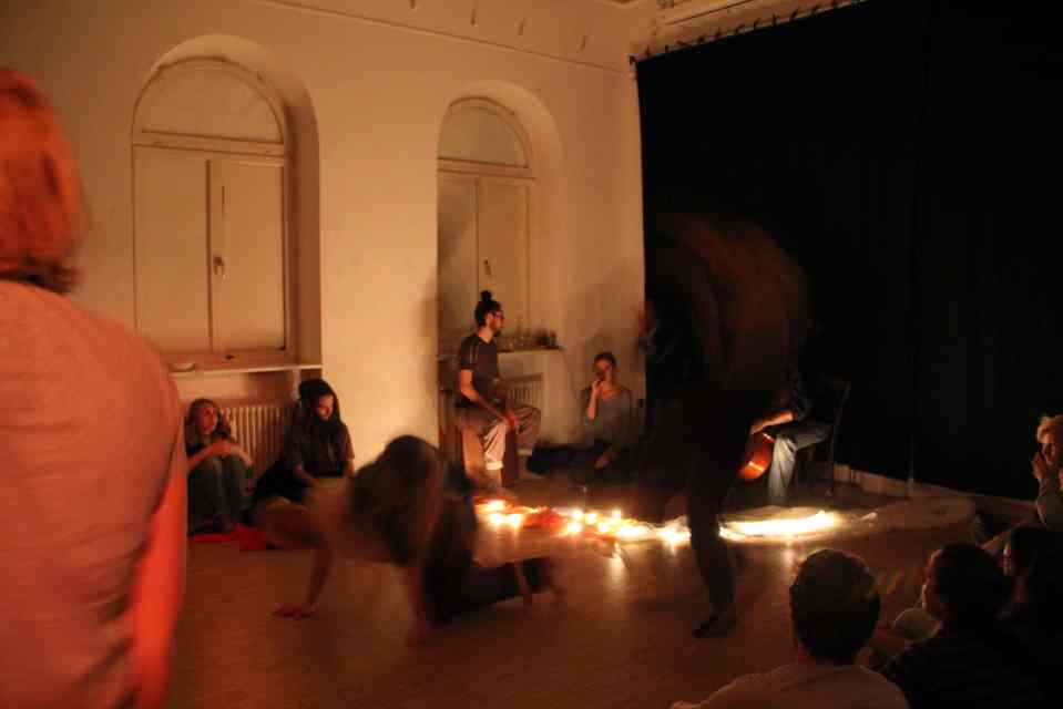 Anir Leben and friends improvised for the dance space.